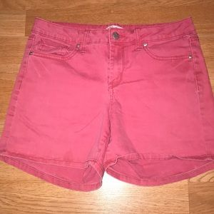 Jessica Simpson pink shorts